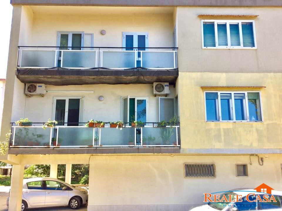Appartamento con garage al monte for Garage 30x40 con appartamento